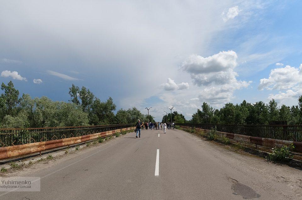Мост смерти в реальности и в сериале Чернобыль от HBO