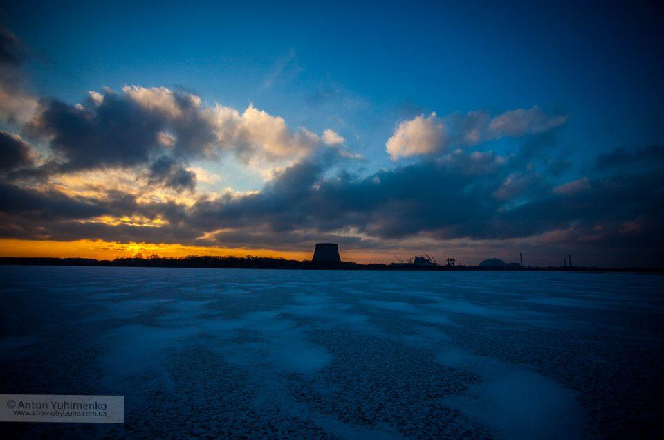 Суровые зимние закаты в Чернобыльской зоне