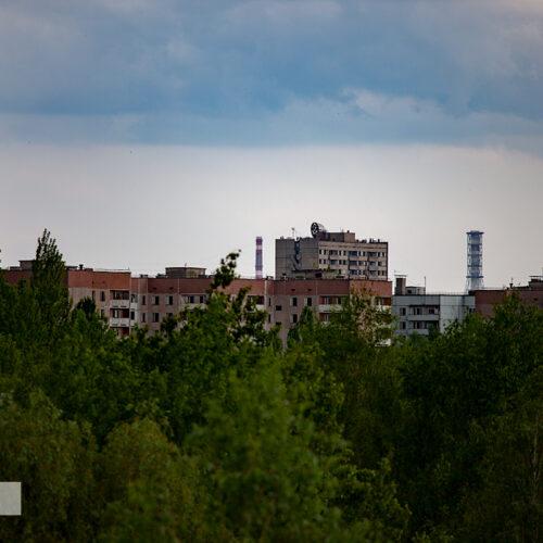 Вид на город Припять. Видна старая труба ВТ-2