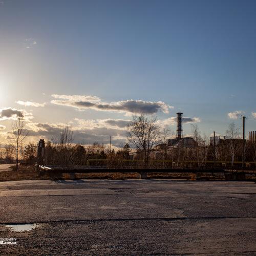 Вид на ЧАЭС и промплощадку станции со стороны 19-й столовой